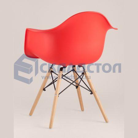 Кресло EAMES на деревянных ножках
